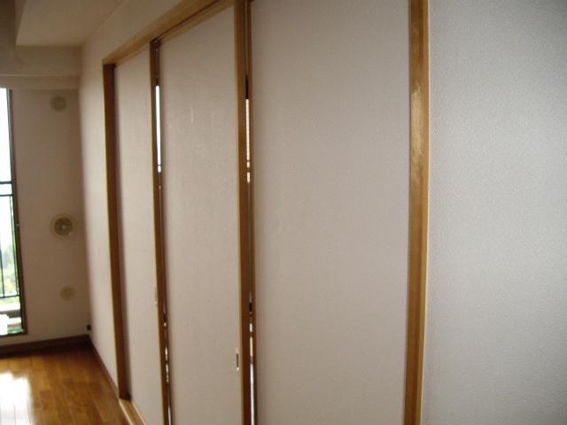 和室~洋室、襖~新規建具ダイノックシート貼り